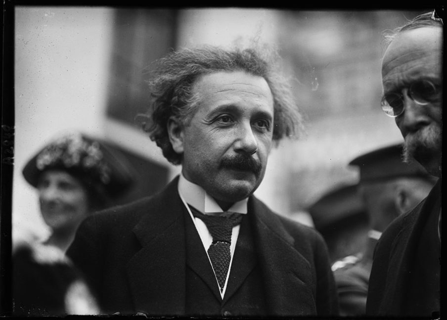 01-the-night-i-met-einstein